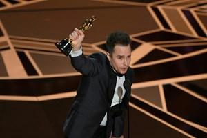 [Video] Sự cố trong đêm trao giải thưởng điện ảnh Oscar 2018