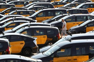 Biểu tình phản đối dịch vụ taxi Uber lan rộng tại Tây Ban Nha