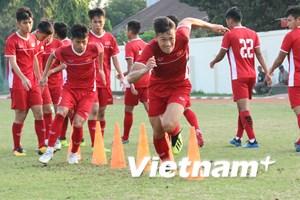 """U19 Việt Nam tích cực tập luyện, quyết tâm """"chiến đấu"""" với Hàn Quốc"""