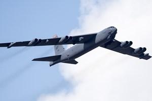 Mỹ cử 2 máy bay ném bom chiến lược B52 tới gần khu vực Biển Đông