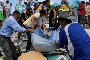 Cảnh hoang tàn sau trận động đất kinh hoàng ở Ecuador