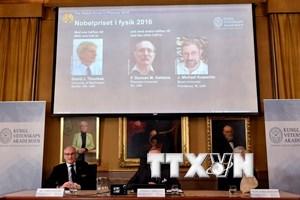 Bộ ba nhà khoa học gốc Anh giành giải Nobel Vật lý 2016