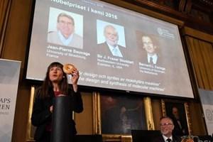 Giải Nobel Hóa học 2016 thuộc về ba nhà khoa học Pháp, Anh và Hà Lan