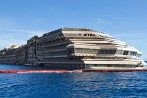 Xác tàu Costa Concordia được tháo dỡ vào tháng Sáu