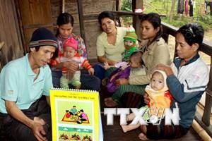 Chuyện những người thầm lặng chăm sóc sức khỏe nơi thôn bản