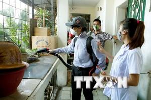 Sốt xuất huyết ở Hà Nội: Nhiều nhà vẫn đóng cửa, cán bộ bị tố tiêu cực