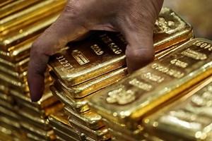 Giá vàng giảm xuống mức thấp nhất trong bốn tháng qua