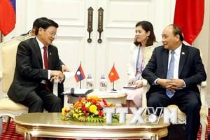Thủ tướng Nguyễn Xuân Phúc tiếp Thủ tướng Lào Thongloun Sisoulit