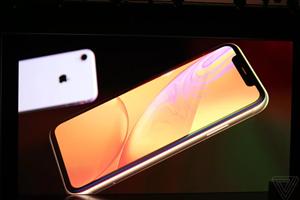 """iPhone XR chính thức ra mắt với màn hình """"tai thỏ"""" 6,1inch LCD"""