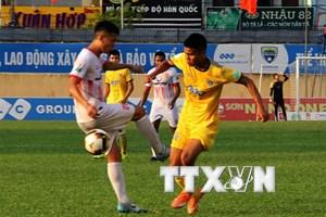 Công làm, thủ phá khiến FLC Thanh Hóa bị 'văng' khỏi top 3 V-League