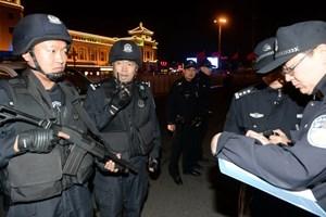 Trung Quốc: Cảnh sát Tân Cương bắt giữ hơn 200 người