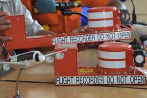 Chuông cảnh báo kêu vang trong buồng lái của máy bay QZ8501