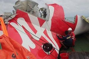 Indonesia trục vớt mảnh vỡ cuối cùng của thân máy bay AirAsia