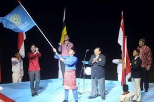 Bộ trưởng Malaysia nhận cờ đăng cai tổ chức SEA Games 2017
