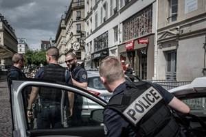 """Nước Pháp tranh cãi về đề xuất kéo dài """"tình trạng khẩn cấp"""""""