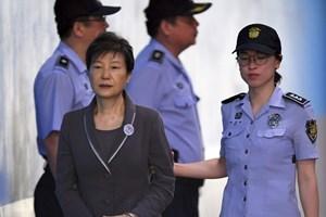 Cựu Tổng thống Park Geun-hye bị đề nghị mức án 30 năm tù