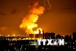 Israel không kích Dải Gaza sau cuộc biểu tình ở biên giới