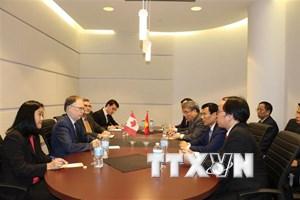 """Đưa văn hóa, thể thao thành """"cầu nối mềm"""" với quan hệ Việt Nam-Canada"""