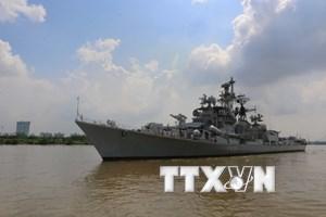 Tàu khu trục Hải quân Ấn Độ thăm hữu nghị chính thức Việt Nam
