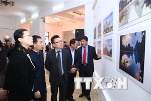 Khai mạc triển lãm ảnh 'Ấn tượng Việt Nam-Trung Quốc 2018'