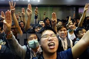 Hong Kong tiếp tục đối mặt với cuộc tuần hành quy mô lớn