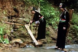 Lấy nước mới ngày Tết - nét văn hóa đặc sắc của đồng bào Khơ Mú