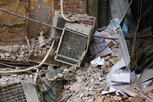 Lãnh đạo thăm hỏi, hỗ trợ các gia đình nạn nhân sau vụ sập nhà