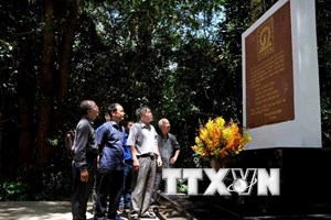Hoạt động về nguồn kỷ niệm 55 năm Thông tấn xã Giải phóng
