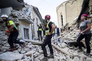 Italy điều tra do nhiều nhà mới xây đổ sụp trong động đất