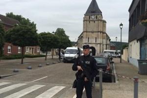 Pháp mở cửa trở lại nhà thờ từng bị nhóm khủng bố IS tấn công
