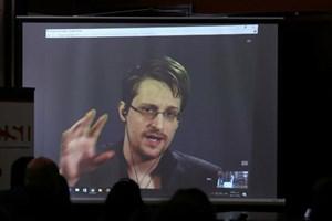 Snowden cảnh báo nguy cơ gia tăng do thám nội bộ vì ông Trump
