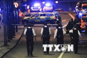 [Video] Cảnh sát Anh xác nhận vụ đâm xe tải ở London là khủng bố