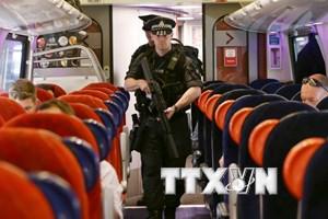 Người dân Anh tăng hoài nghi sau nhiều vụ bị tấn công khủng bố