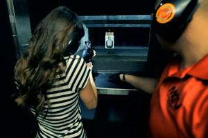 [Video] Dịch vụ bắn súng thật tại Las Vegas được nâng lên tầm giải trí