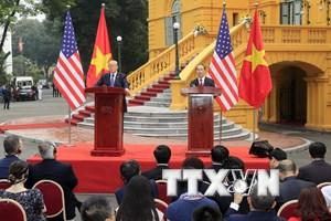 [Photo] Chủ tịch nước Trần Đại Quang tiếp đón Tổng thống Donald Trump