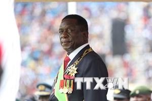 Zimbabwe: Tân Tổng thống Emmerson Mnangagwa giải tán nội các