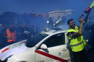15.000 tài xế taxi tại Tây Ban Nha đình công phản đối Uber