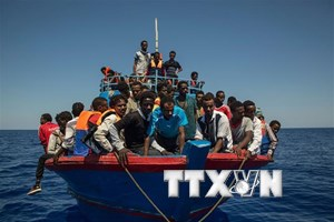 EU đẩy mạnh hợp tác với châu Phi để kiểm soát dòng người di cư