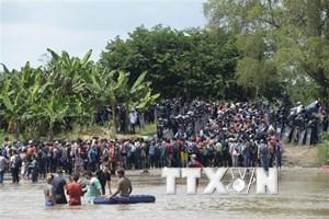 Mỹ tiếp tục triển khai gần 5.000 binh sỹ tới biên giới Mexico