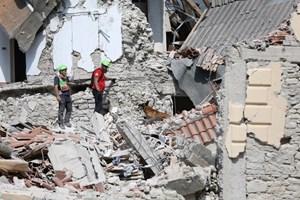 Động đất ở Italy: Cảnh báo 60% chung cư cũ nguy cơ sụp đổ