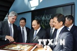 Thủ tướng gặp Thủ hiến bang kiêm Thị trưởng thủ đô Berlin