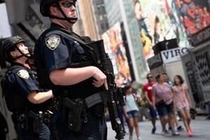 Xả súng trong buổi tiệc mừng Quốc khánh Mỹ, ít nhất 3 người chết