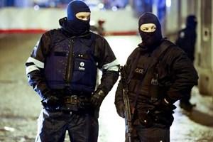 Cảnh sát Bỉ triệt phá băng nhóm 10 đối tượng buôn người sang Anh