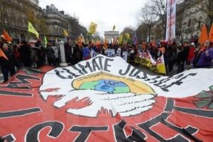 [Video] Đức sẽ thông qua dự thảo chống biến đổi khí hậu vào năm 2016