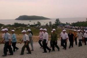 Hàng vạn người dân viếng mộ Đại tướng Võ Nguyên Giáp