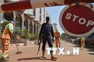 Công bố ảnh hai kẻ nghi là tòng phạm vụ bắt cóc con tin tại Mali