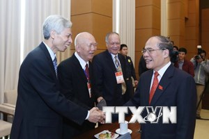 Lãnh đạo Quốc hội gặp mặt đại diện các thế hệ đại biểu Quốc hội