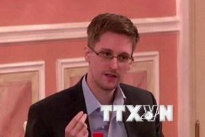 Edward Snowden được phép lưu lại Nga thêm vài năm