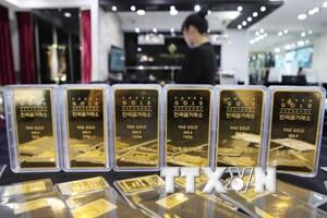 Giá vàng thế giới chạm mức thấp nhất trong vòng hai tháng qua