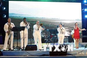 Đà Nẵng: Ban nhạc Hải quân Hoa Kỳ và nghệ sỹ Việt Nam diễn giao lưu
